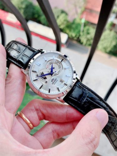 Dong ho Orient automatic day da