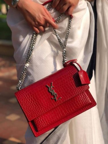 YSL Red size M 22cm
